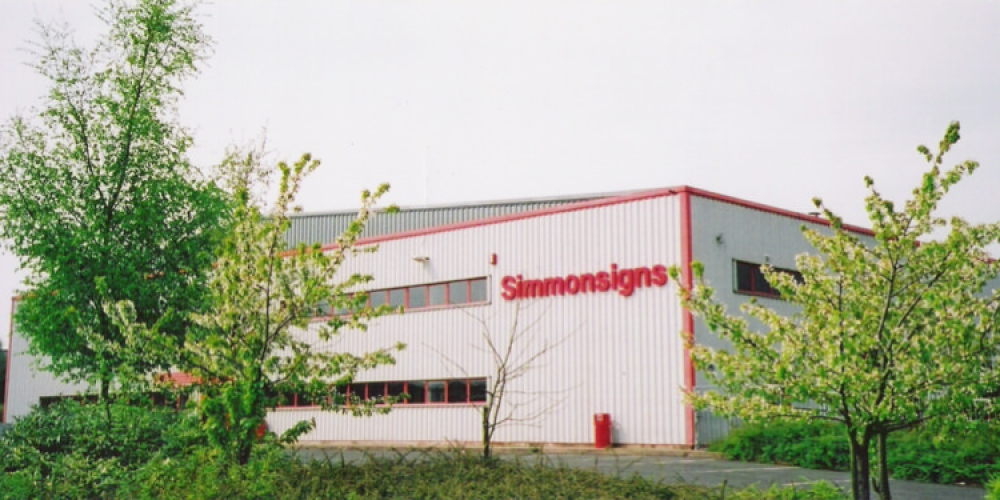 simmonsigns-factory