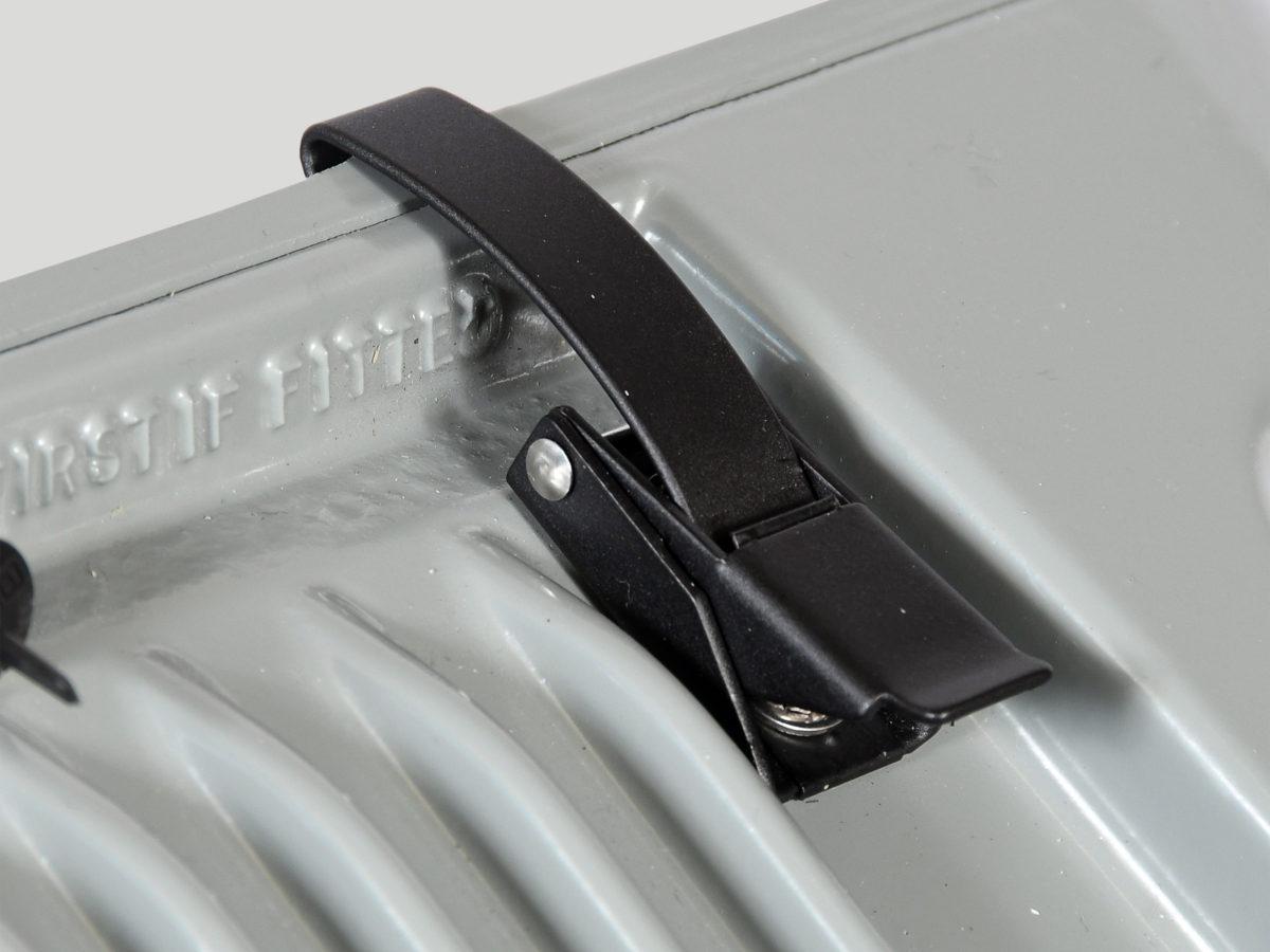 LUM-Tool-free-access-clip