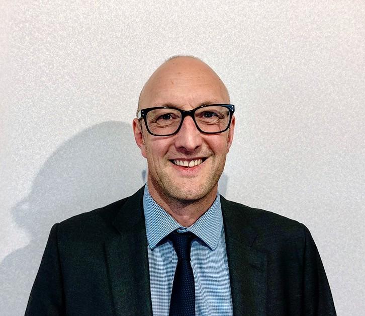 Steve Keary Simmonsigns Director Of Sales