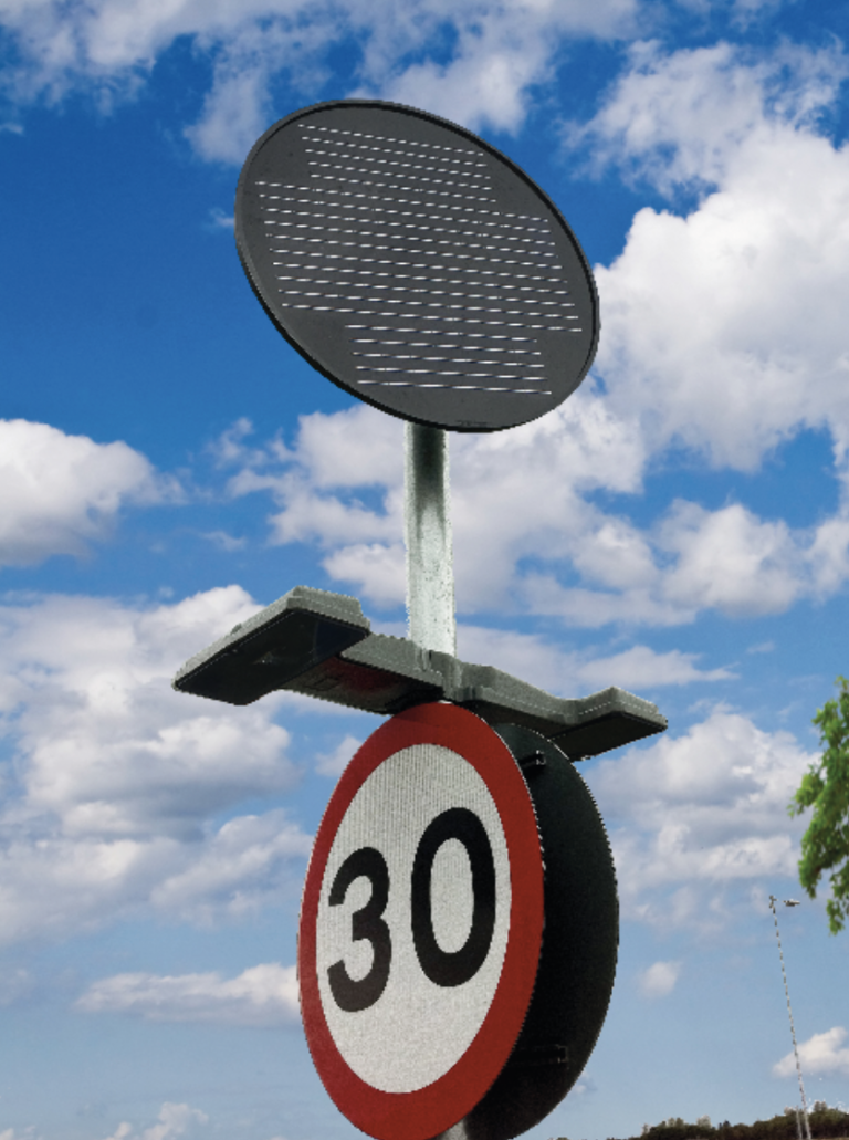 Simmonsigns Solar LUA Sign Light On 30 mph Sign