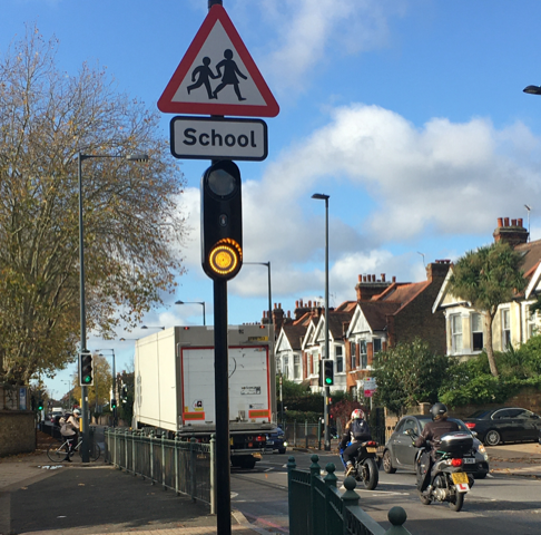 Simmonsigns Smart Pulsa installed on busy road